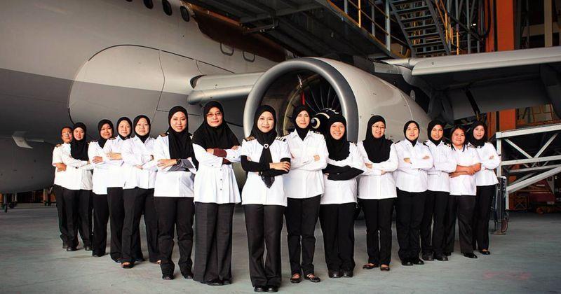 Photo of Royal Brunei Airlines: Kru penerbangan wanita pertama