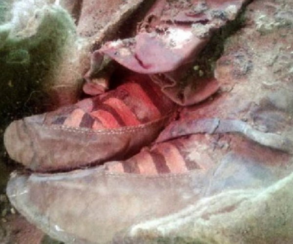 Photo of Bukti Perentas Masa? Mumia 1,500 Tahun Dijumpai Memakai Adidas