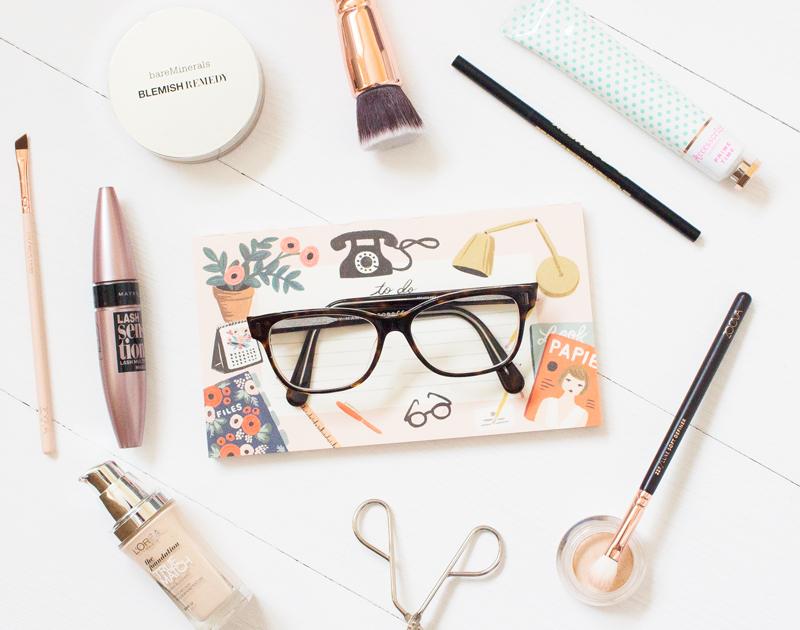 Photo of Jika Anda Pemakai Cermin Mata, Ini adalah Tips Makeup Yang Anda Perlukan