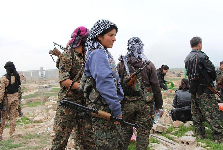 Photo of Pahlawan Wanita Yang Menentang Militan IS