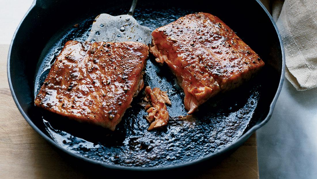 Photo of Bahan Ini Akan Buat Ikan Salmon Anda Rasa Lebih Sedap Apabila Dimasak!