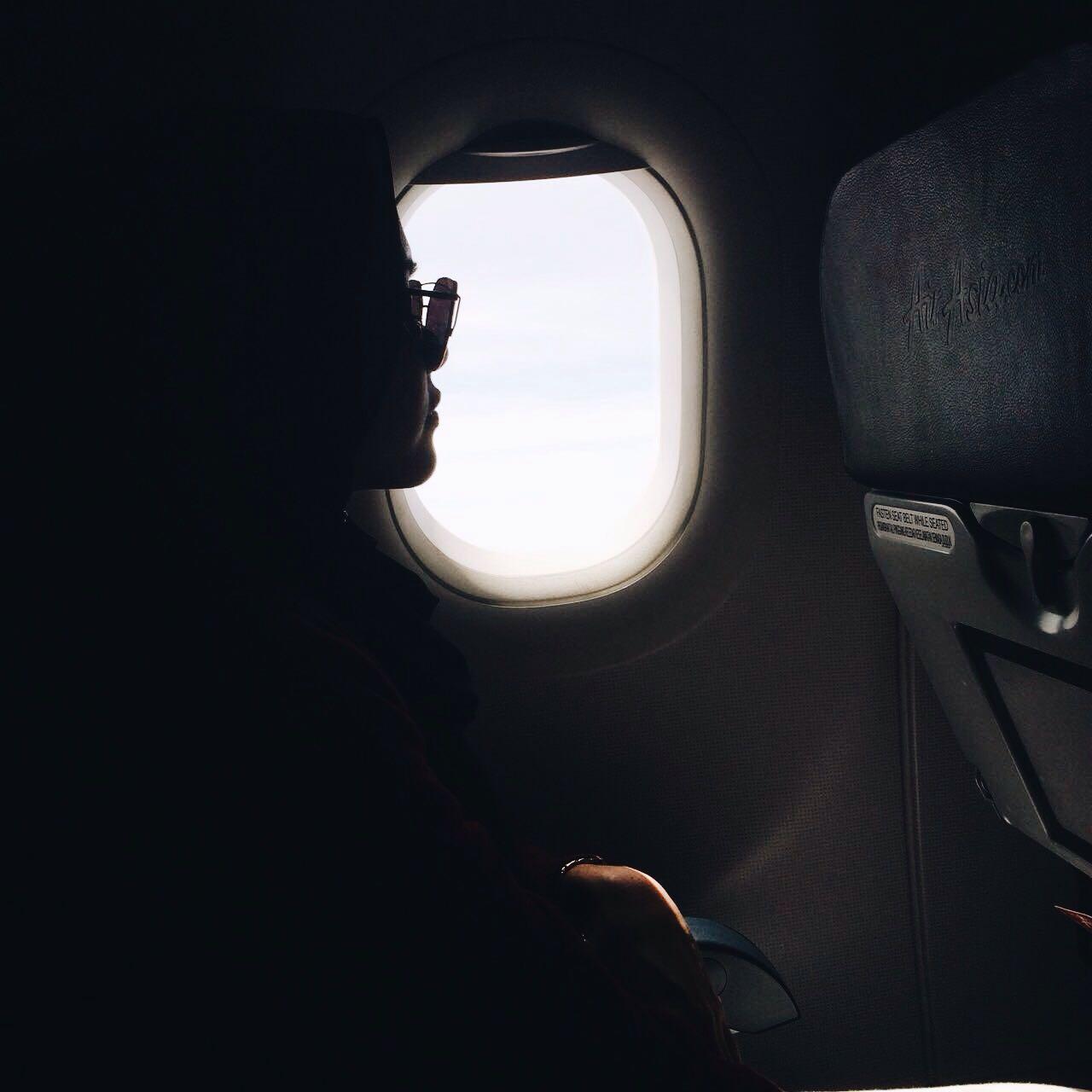 Photo of Travel Tips Wanita Muslimah Perlu Tahu Ketika Di Dalam Pesawat