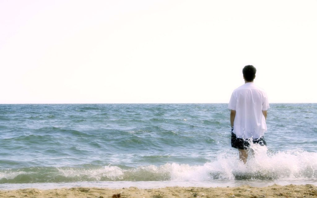 men-on-the-beach-hd-widescreen-wallpaper