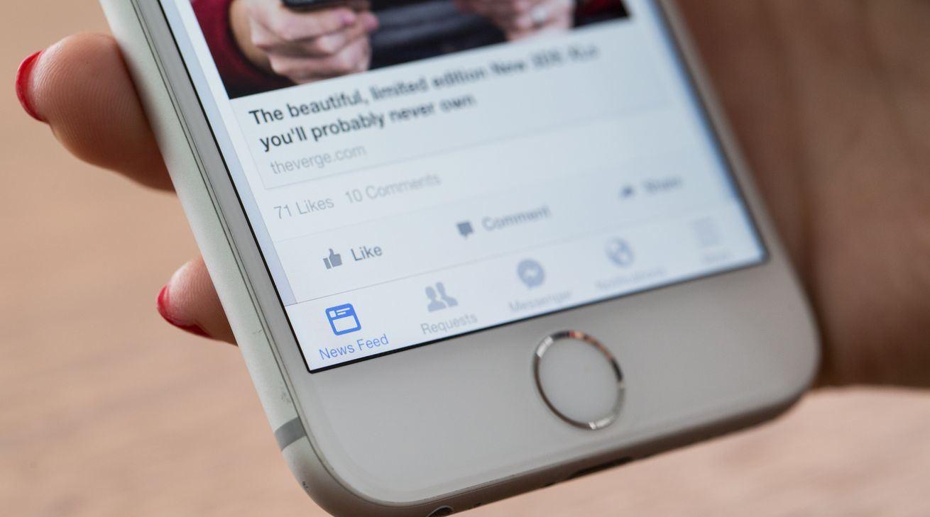 Photo of Facebook Mungkin Menambah Versi Snapchat Discovery Sendiri Di News Feed Anda