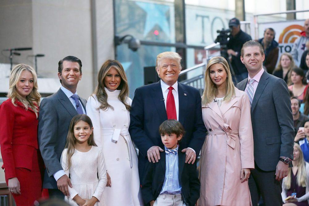 """Photo of Kenali """"The Trumps"""", Keluarga Pertama Amerika Syarikat"""