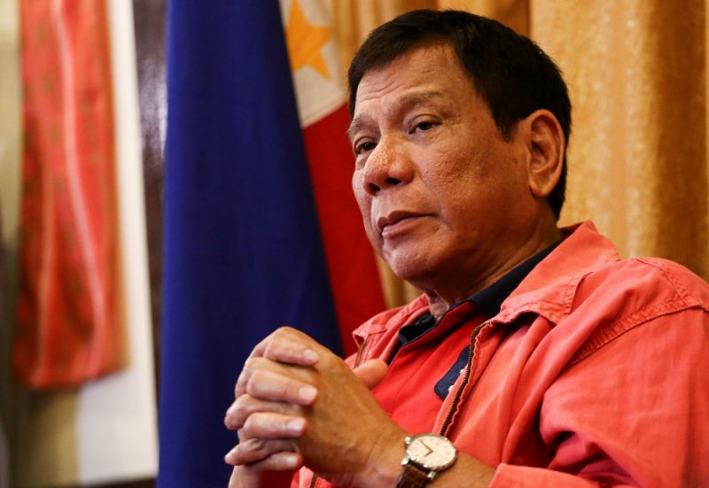 Photo of Duterte Arah Tentera Laut Untuk Mengebom Semua Militan Walaupun Tebusan Ada Bersama Mereka