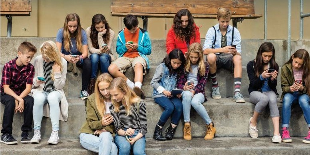Photo of A Worrying State of Mind – Young People And Their Social Media Habits