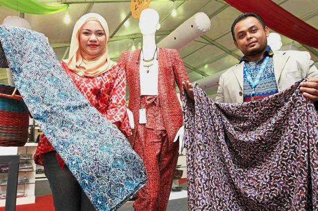 Photo of Batik Madu Tiga Dijangka Akan Menjadi Pilihan Orang Ramai Tahun Ini