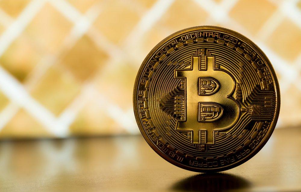 Photo of Satu Bitcoin Kini Bernilai Lebih Daripada Satu Auns Emas Sebenar