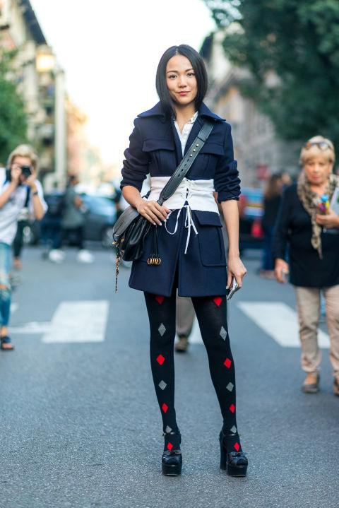 Photo of Fesyen Musim Bunga 2017: 8 Cara Memakai Korset  Yang Trending ini