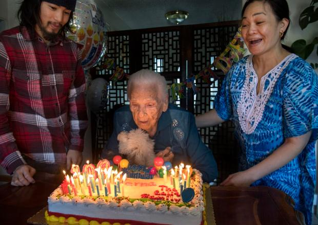 Photo of Warga Emas Dijadikan Nenek Angkat