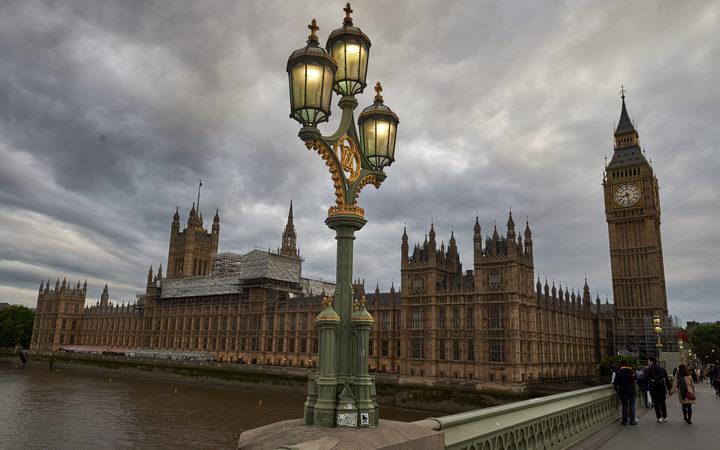 Photo of Pilihan Raya Britain: Apa Berlaku Jika Parlimen Tergantung?