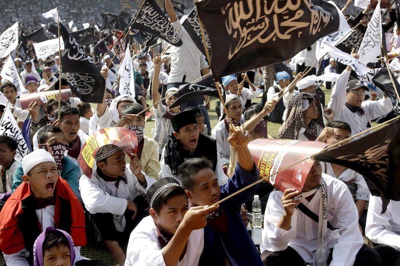 Photo of Indonesia Haramkan Kumpulan Radikal