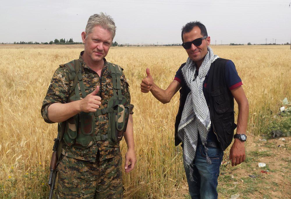 Photo of Micheal Enright: Pelakon British Bersara Dari Hollywood, Lawan IS Di Syria