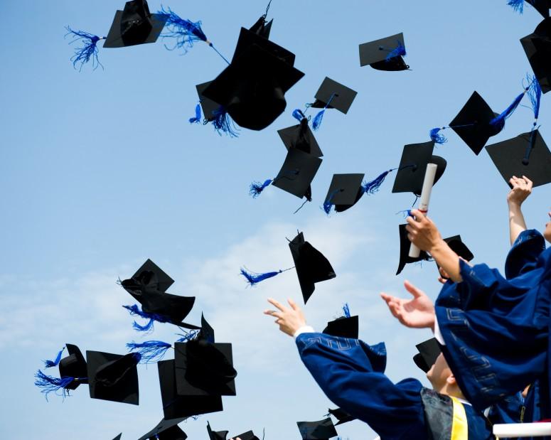 """Photo of Ramai Graduan UK Ingin """"Berehat"""" Selepas Tamat Pengajian"""