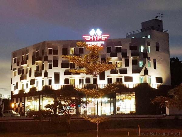 Hotel Bertemakan Sukan Pemotoran Dibuka di Nilai