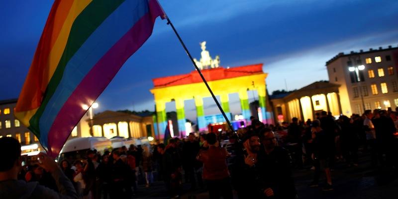 Photo of Perkahwinan Sejenis Kini Sah di Jerman