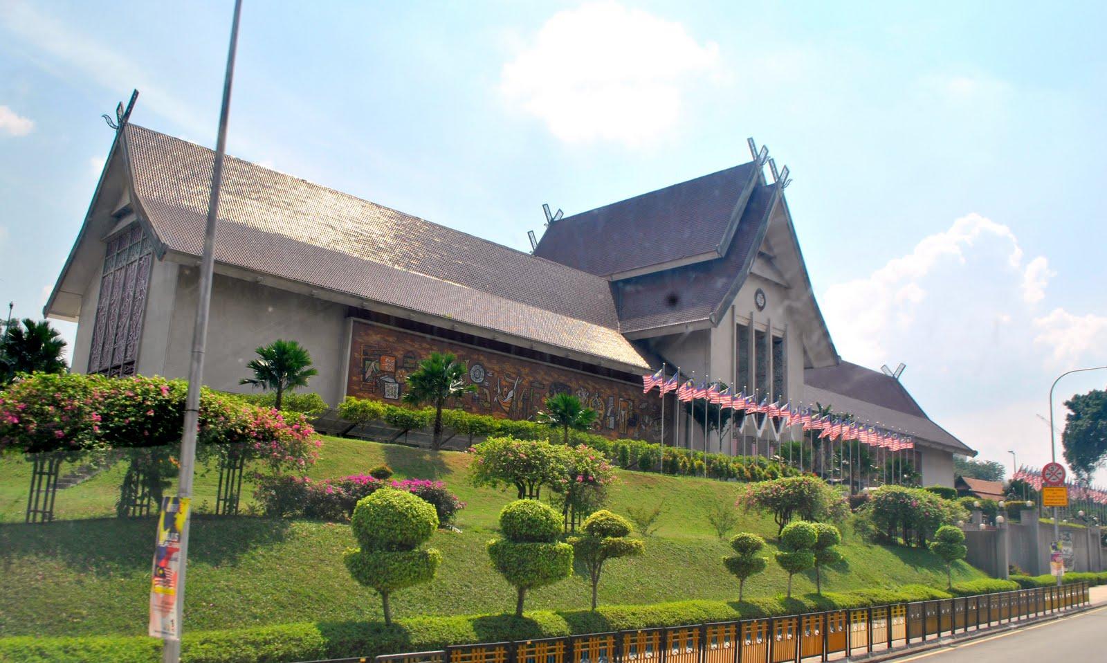 Pameran Sukan Tema 'Bangkit Bersama'