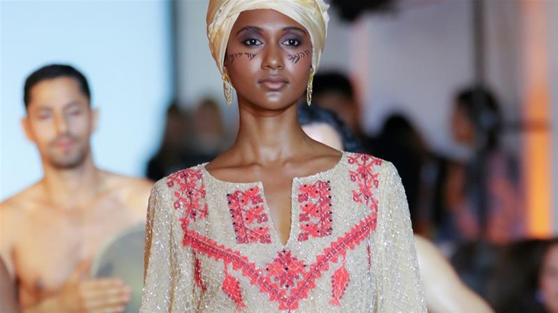 Photo of Wanita Badwi Dakwa Mereka Ditipu Oleh Pereka Fesyen Israel