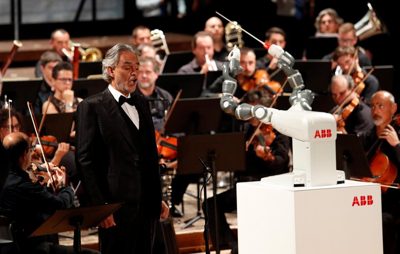 Robot YuMi Berjaya Memimpin Orkestra Itali