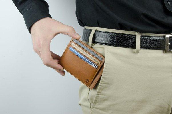 Photo of Apa Yang Perlu Ada Dalam Dompet Lelaki?