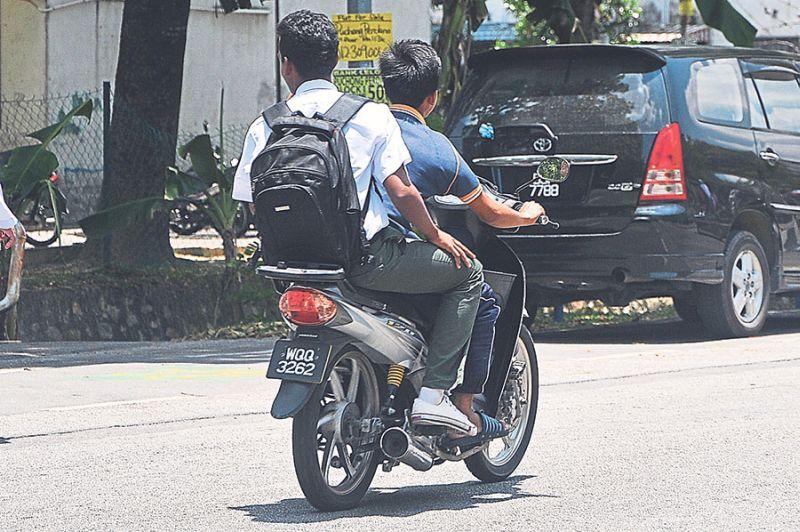 Photo of Pelajar Sekolah Tanpa Lesen Berleluasa di Kawasan Luar Bandar