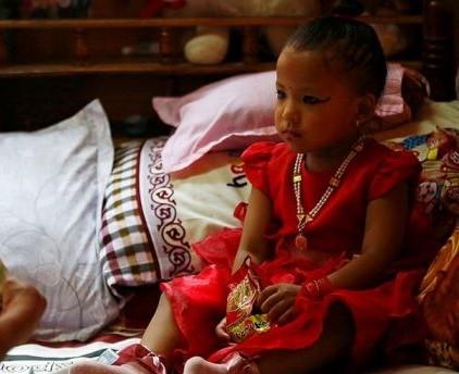 """Photo of Kanak-Kanak 3 Tahun Jadi """"Dewi Hidup"""" Baharu di Nepal"""