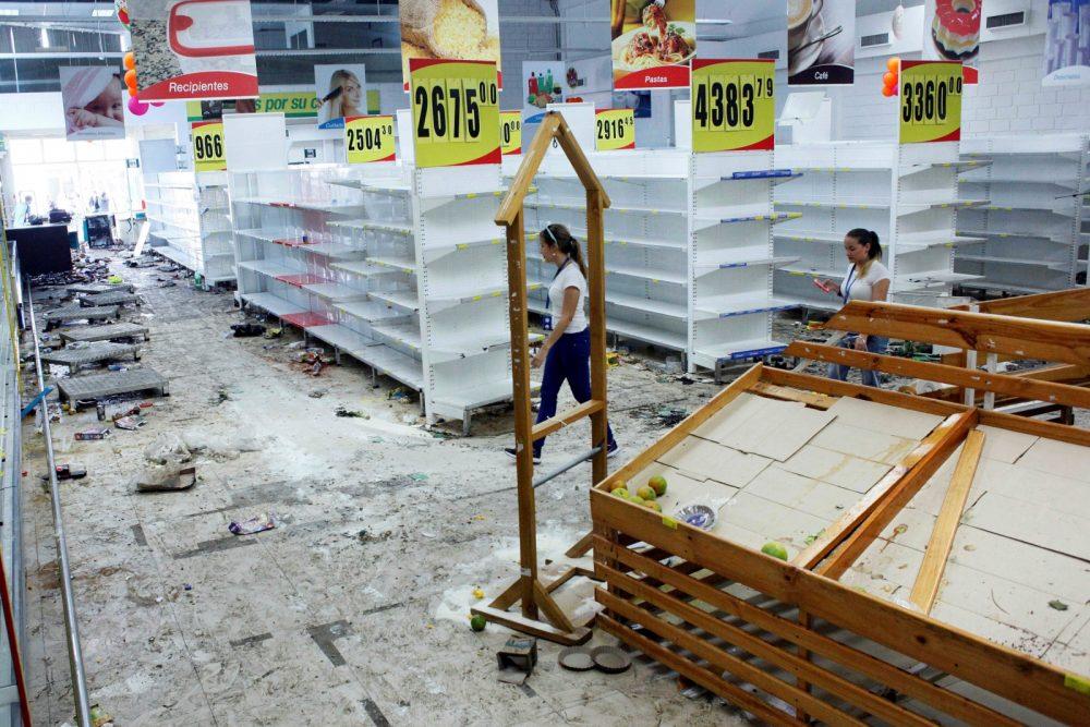Photo of Venezuela: Kaya Dengan Minyak, Tetapi Miskin