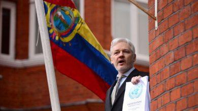 Photo of Ecuador, Julian Assange Dan Islam Di Sana