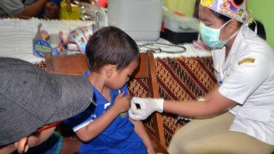 Photo of Mengapa Kita Tidak Boleh Menolak atau Menangguh Vaksinasi Anak