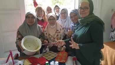 Photo of Ibu-Ibu Diajar Menukar Sisa Minyak Masak Menjadi Sabun Yang Boleh Dijual