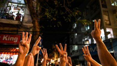 """Photo of Dulu Digunakan di Thailand, Simbol """"Hunger Games"""" Ini Kini Trending di Myanmar"""