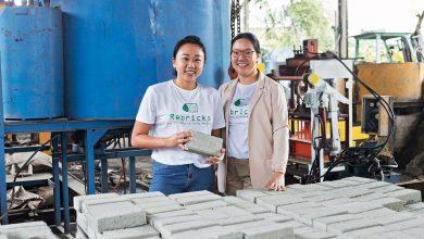 Photo of 2 Sahabat Dalam Misi Menyelamatkan Alam Sekitar Hasilkan Bata Dengan Plastik